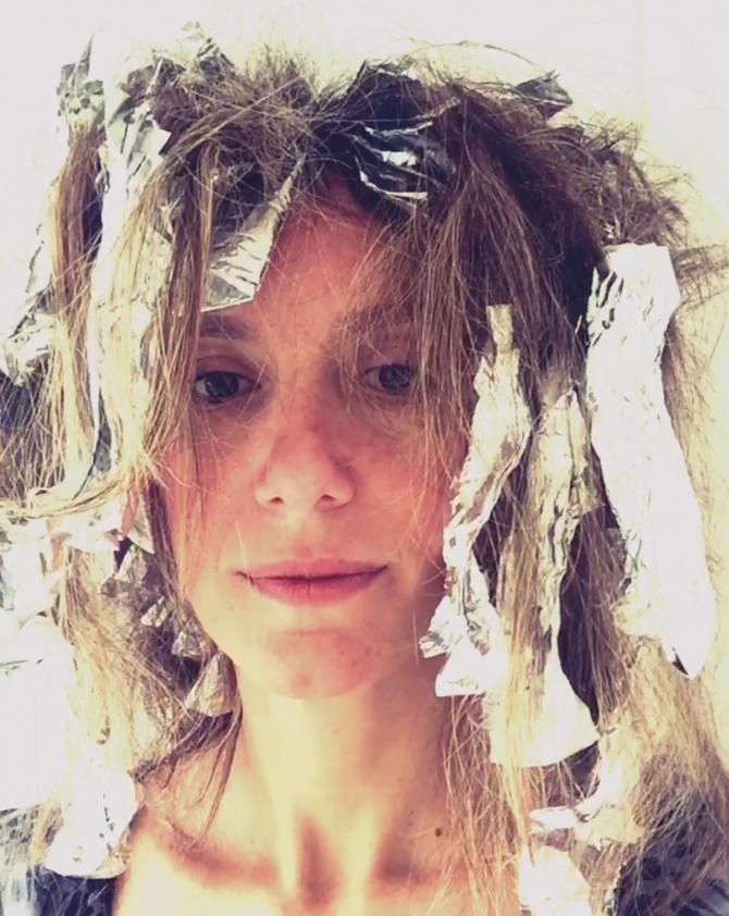 cabelo fazendo luzes de papel