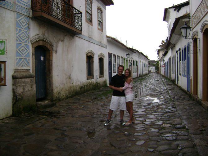 Fefê Rosada e marido em Paraty, RJ