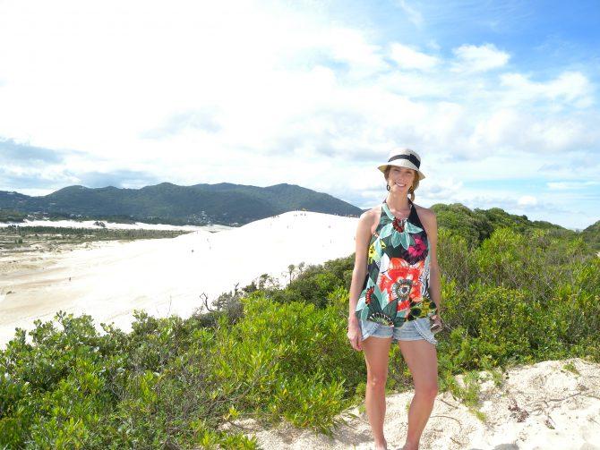 Fefê Rosada do Blog Up na Vidinha nas dunas da para da Joaquina em Florianópolis, SC